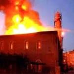مسلحون يحرقون مسجدًا للشيعة أمام مرأى القوى الأمنية في إسطنبول