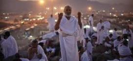 حاج يمني يصل مكة سيرًا على الأقدام