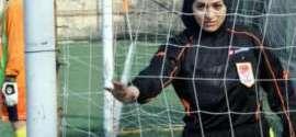أول حَكَمة كرة قدم ترتدي الحجاب في تركيا
