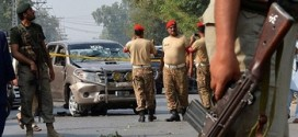"""طالبان التكفيرية تصف حملة تلقيح الأطفال بـ""""المؤامرة الغربية""""وتقتل شرطيًّا في كراتشي كان يرافقها"""